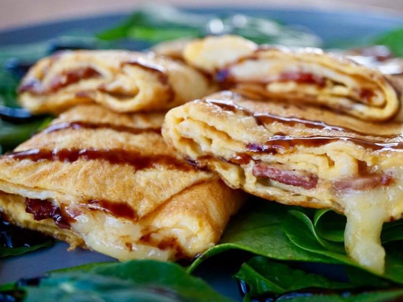 CAMEMBERT CHEESE AND HAM OMELET